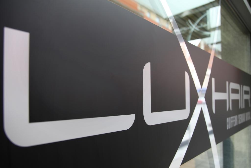 Luxhair-Friseur Logo